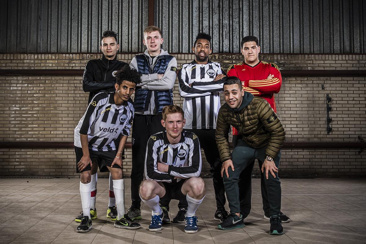 """Boyd Emaus, speler en coach Noord-Veluwe: """"Sinds ik voetbal gaat het weer goed."""""""
